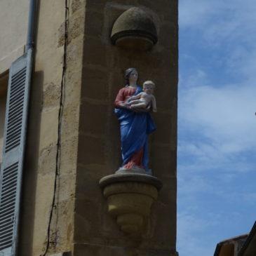 Remise en place de la Vierge à l'enfant, Place Miollis